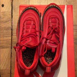 Size 8 women's sneakers